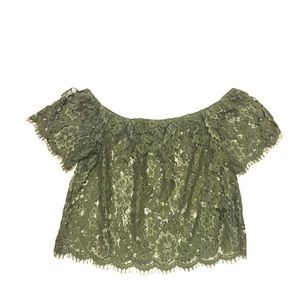 NWOT BEBE Off Shoulder Crop Blouse Sz:L